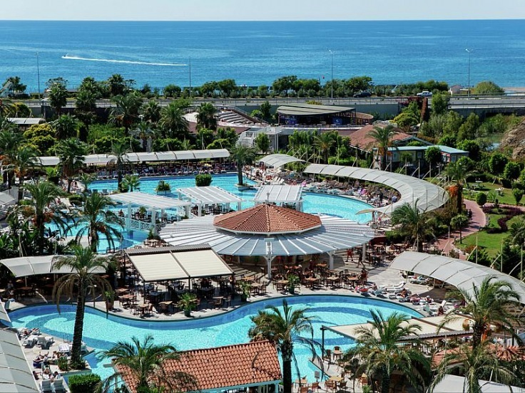 Crystal Admiral Resort