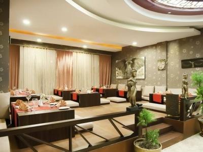 Siam Elegance & Spa