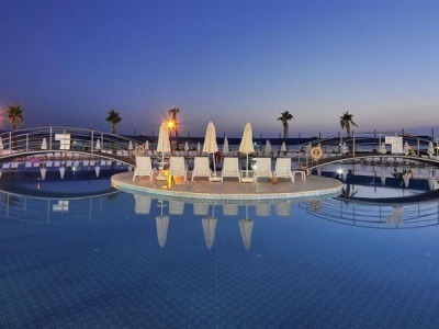 Cenger Beach Resort