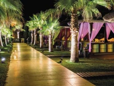 Latanya Park Resort