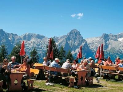 Východní Solná komora a pohoří Totes Gebirge