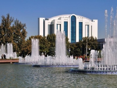 Perly Uzbekistánu hedvábnou stezkou