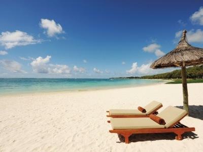 Emeraude Beach Attitude