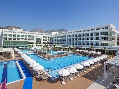 Karmir Resort
