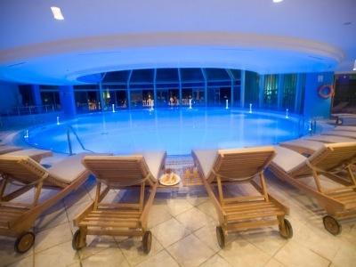 Crystal Sunrise Queen Luxury & Spa