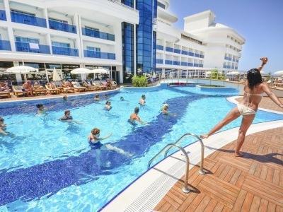 Laguna Beach Alya Resort