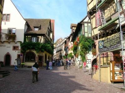Za vínem a krásami Burgundska a kraje Beaujolais (autokarem)