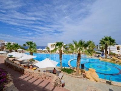Amphoras Blu Resort