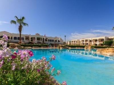 Amphoras Resort