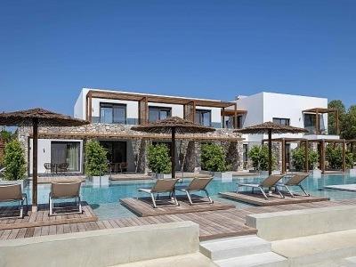 Caravia Beach Suites